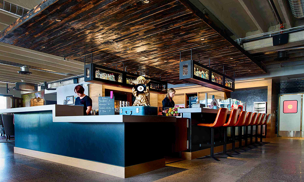 moxy_by_marriott_tempe_lobby_bar2
