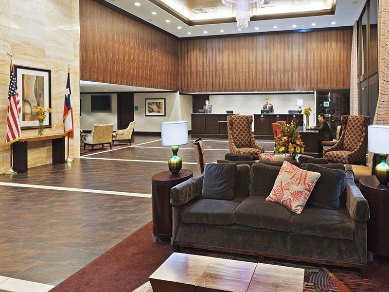 crowne-plaza-dallas-lobby-2