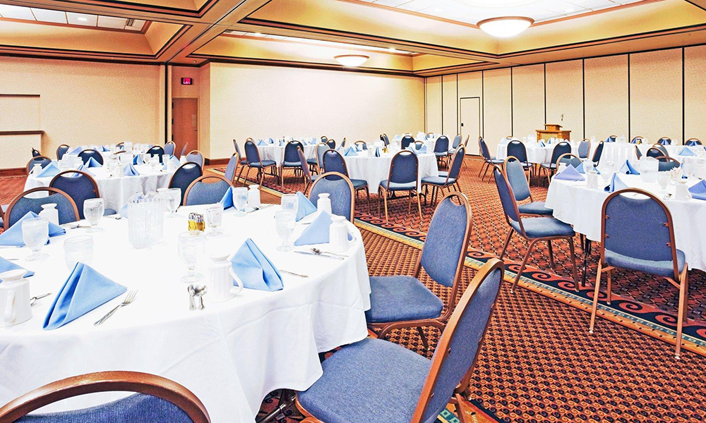 minot_hotel_portfolio_meeting_room