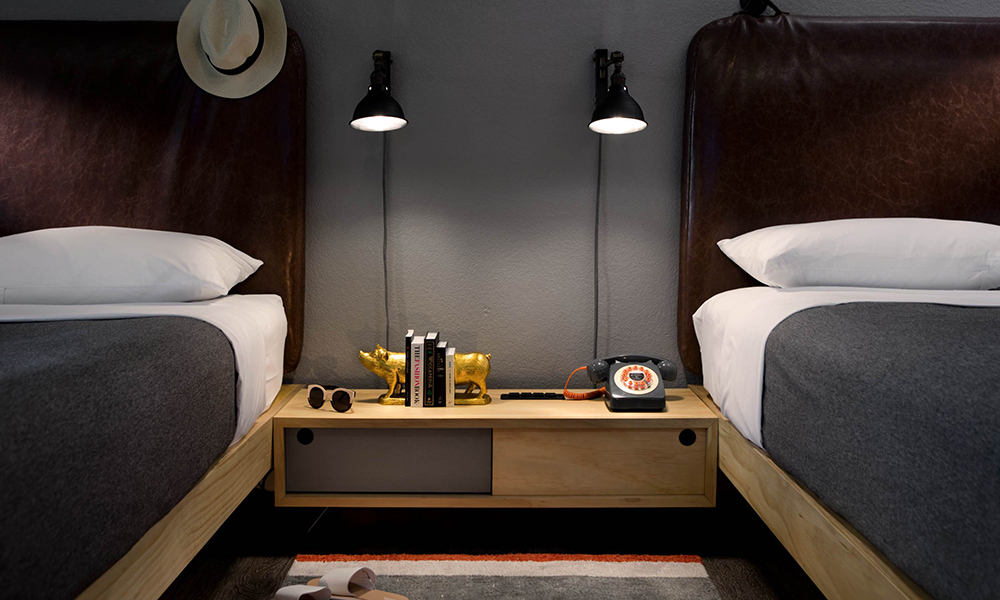 moxy_by_marriott_tempe_beds