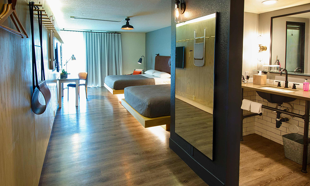 moxy_by_marriott_tempe_guestroom3