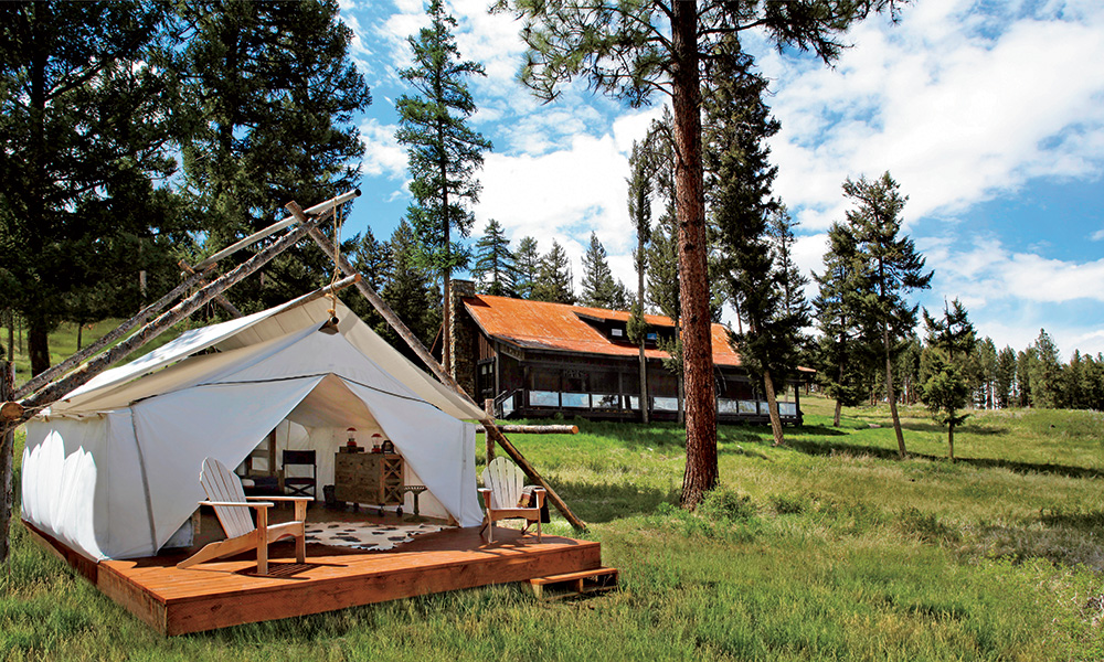 paws_up_resort_exterior_cabin4